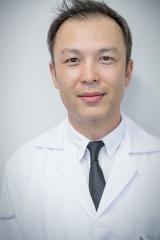 Dr. Cezar Guiotoku
